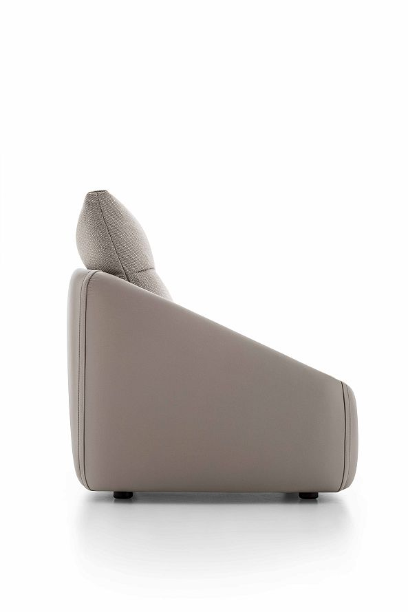 BEND_Armchairs-2019_01