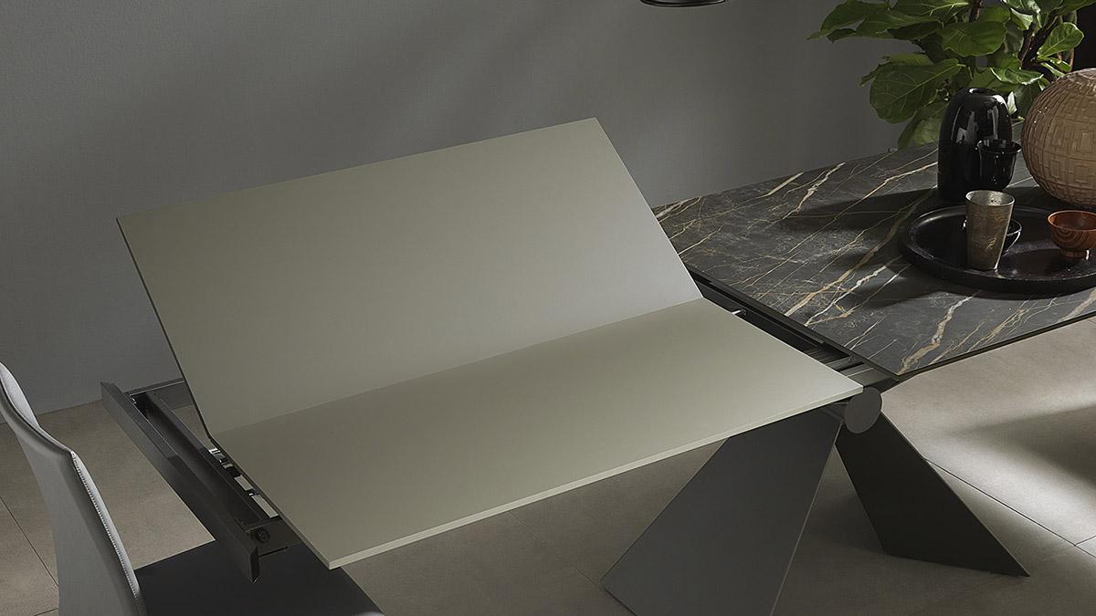 tavolo-allungabile-Sintesi-base-metallo-Altacom-7